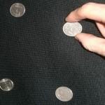 Простые детские трюки: как сделать фокус с монетками два грабителя
