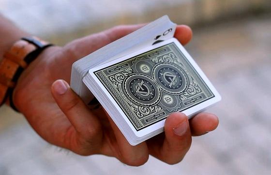 карты в руке